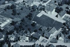 Luftaufn. Swissair Schulhäuser Dorf