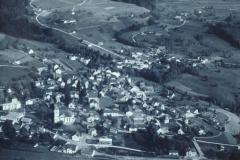 Luftaufn. Bäretswil neuer Friedhof