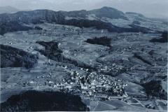 Luftaufn. Swissair Dorf mit Bachtel