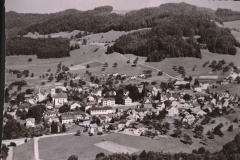 Luftaufn. Bäretswil Dorf