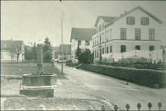 Schulhausstr, Sek.Schulhaus, Primarschulhaus, Kirchenbrunnen