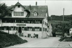 Schulhausstr, Rest. ,Zur alten Post', geschlossen 1945