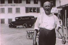 Eugen Baur, Maestrani-Auto vor der ,Linde'