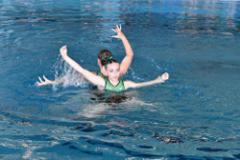 Team-Wettkampf: Viel Synchronität zu Schwimmerinnen und Musik