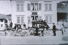 Postkutschen vor der alten Post in Bäretswil
