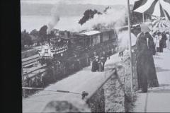 UeBB. Der Festzug bei der Ausfahrt aus der Station Uerikon