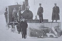 UeBB. Lok 401 mit Schneeräumequippe