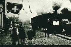 letzter Zug UeBB Strecke Hinwil-Bauma, Station Neuthal