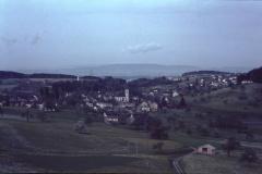 Blick von der Steig auf das Dorf und Adetswil