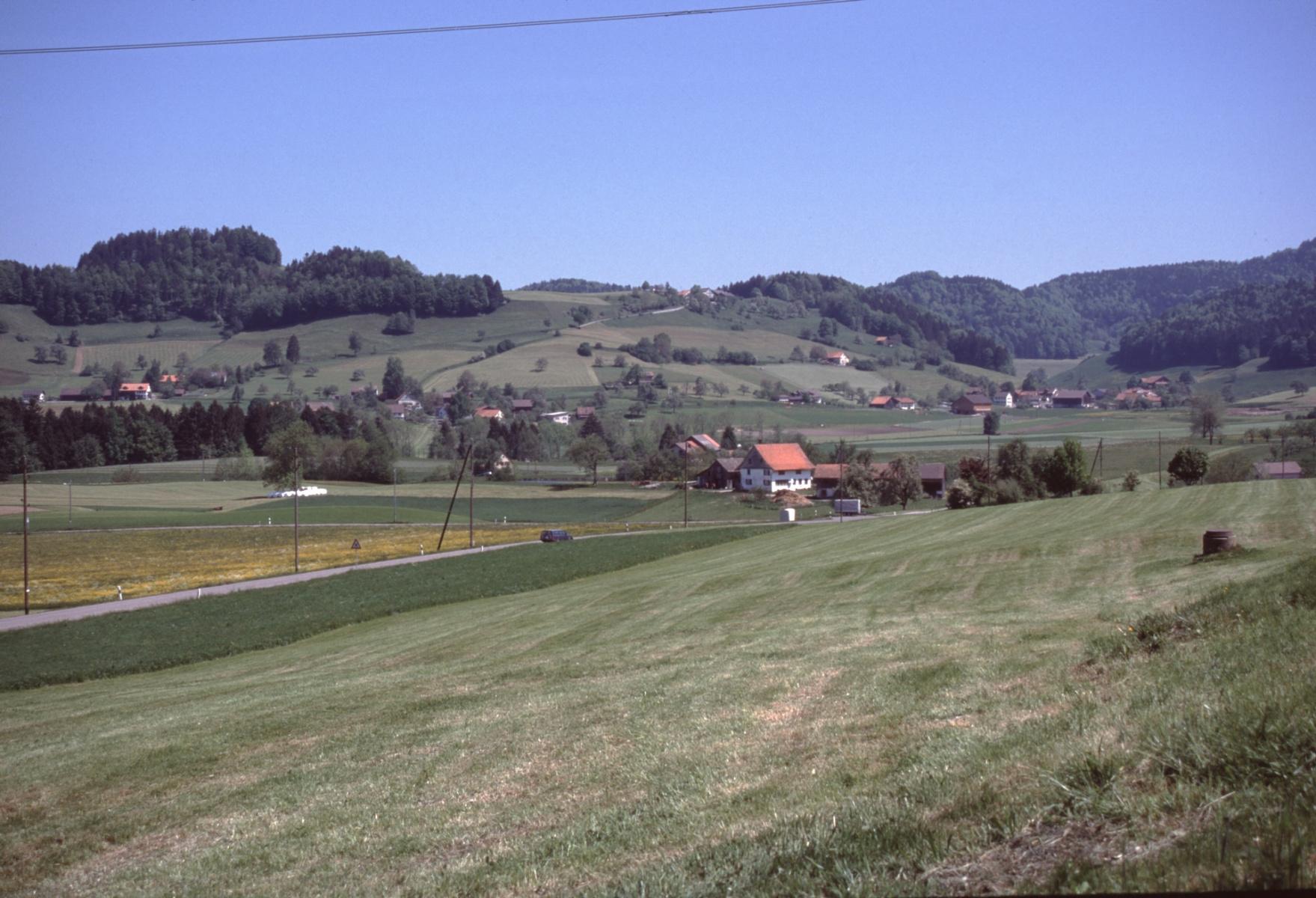 Schulhaus Wappenswil, Vorder-, Hinterb. Vom Hasenrain aus