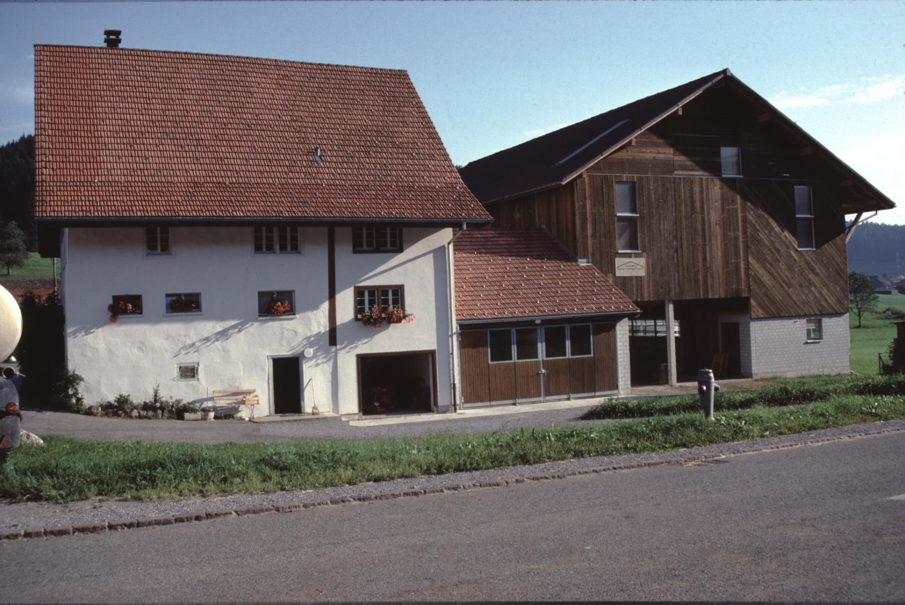 Haus und Scheune Amacher