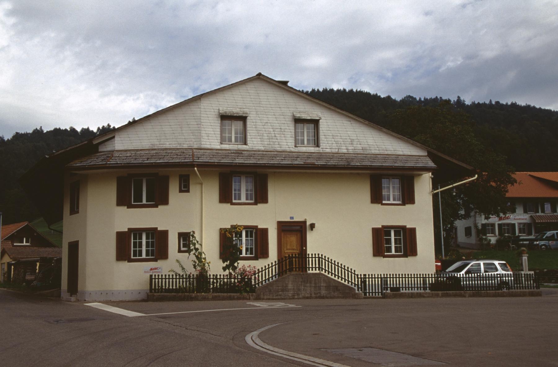 Haus Jean, Hans Brunner