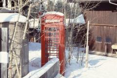 'Berghof' mit roter engl.Telefonkabine