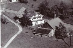 Luftaufnahme Häuser Küng
