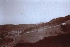 Blick von der Teufelskanzel auf Laupetswil und Bräch. Im Hintergrund Schnebelhorn