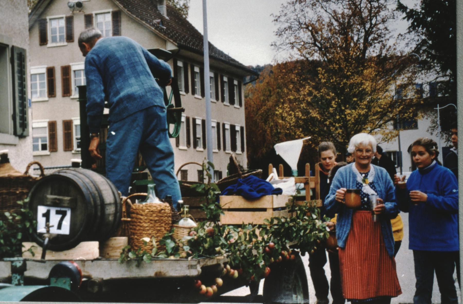 Jubiläumsumzug 100 Jahre Viehzuchtgenossenschaft, Fenner's + Most