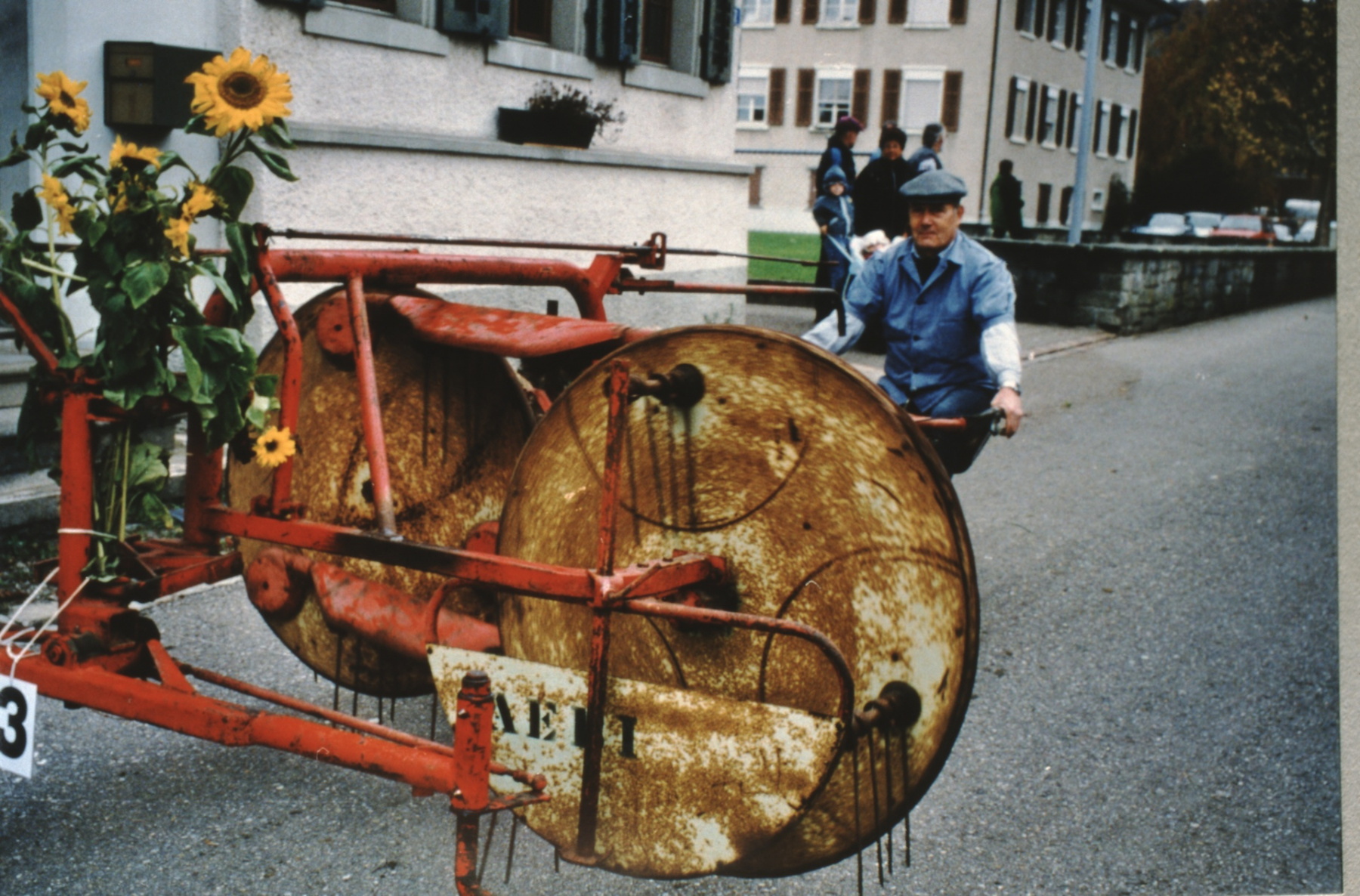 Umzug 100 Jahre Viehzuchtgenossenschaft, Otto Jung, Heuwender