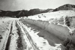 Strasse nach Wappenswil im Winter