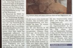 Zeitung 'Acht Männer und eine Säge'