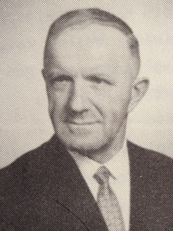Portrait von Ernst Stutz (1903-1971), Landwirt, Kantonsrat und Gemeindepräsident (BGB/SVP) 1966-1971 von Bäretswil.