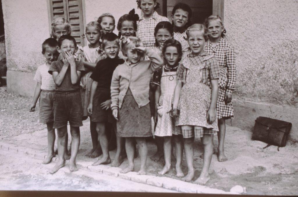 Teil der Klasse der Gesamtschule von Jörg Albrecht, Bettswil 1956