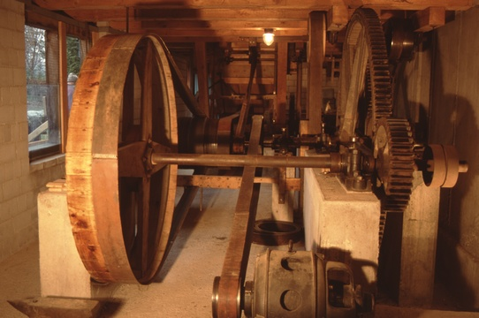 Transmission im Keller der Alten Sagi Stockrüti.