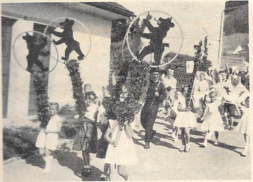 Die Bäretswiler Unterstüfler mit dem Wappentier ihrer Gemeinde