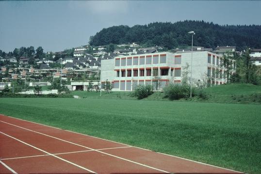Schulhaus Letten (seit 1975)