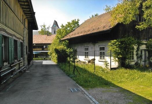 rechts ehemalige Druckerei Brunner, 2004