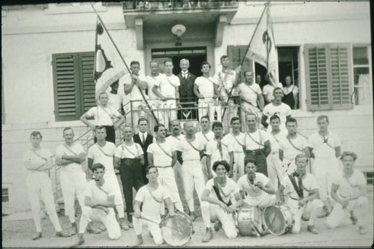 Turnverein, ca 1930. Vorne in der Mitte stehend Carl Diener
